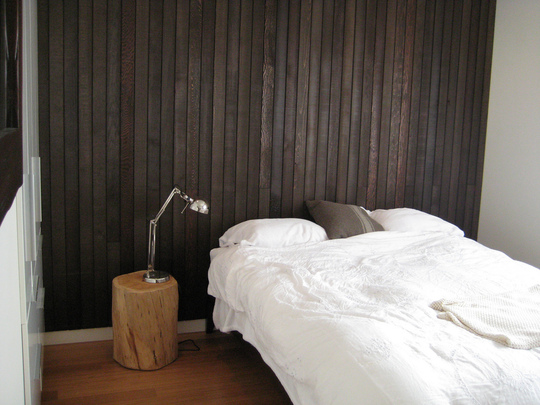 black slates in bedroom