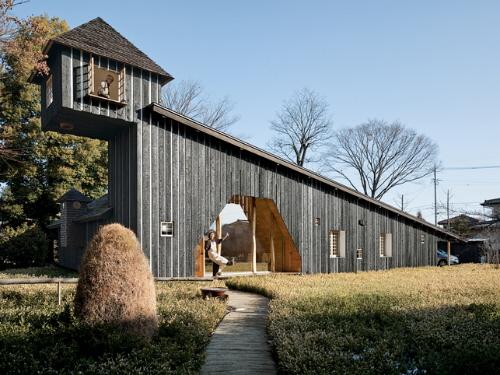 japanese architecture fujimori terunobu charred cedar house exterior