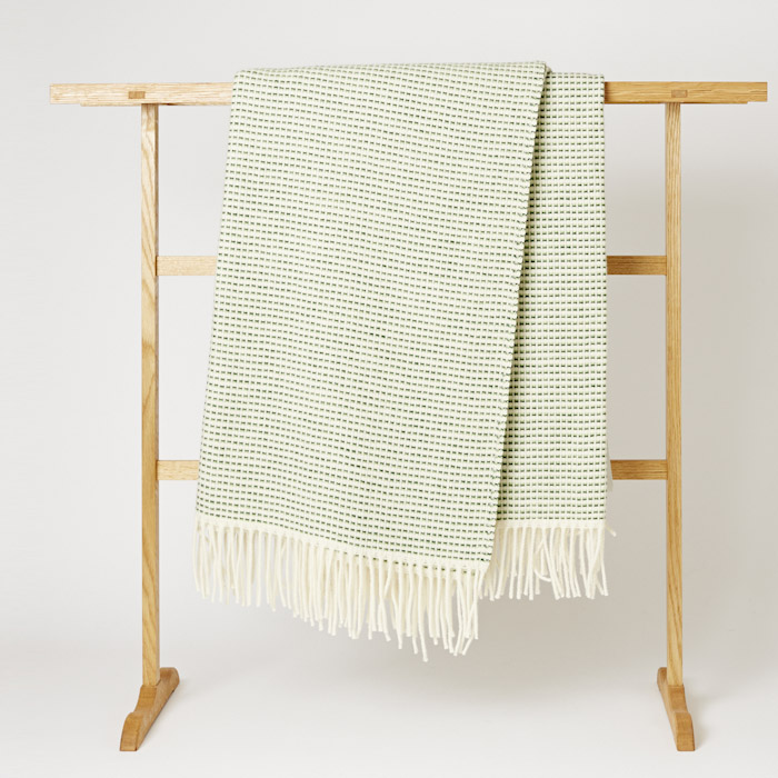 Roros_Tweed_Blanket_Mjolk_Kitka-10