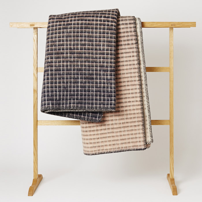 Roros_Tweed_Blanket_Mjolk_Kitka-2