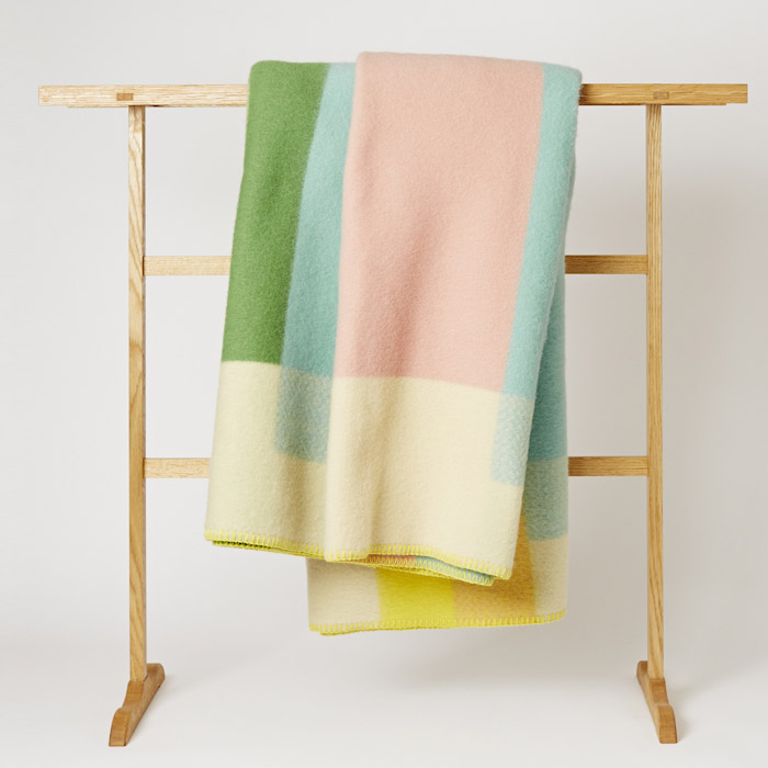 Roros_Tweed_Blanket_Mjolk_Kitka-3