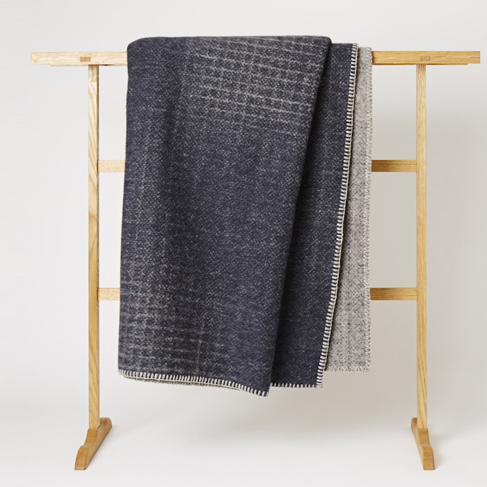 Roros_Tweed_Blanket_Mjolk_Kitka-5